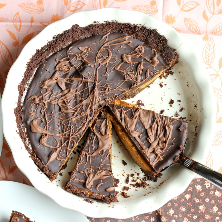 Chocolate Pumpkin Pie / forkfulofawesome